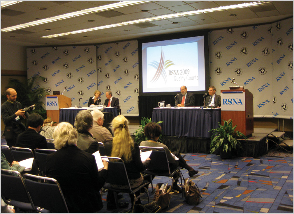 Each year at the RSNA Annual Meeting, RSNA Public Information Committee (PIC) members moderate the press conferences given by RSNA presenters.